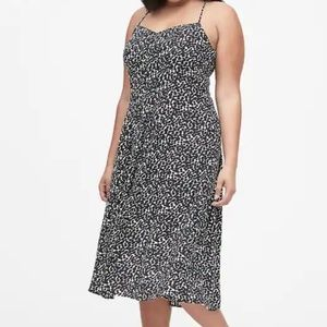NEW Banana Republic Print Pin-Tuck Midi Dress 14